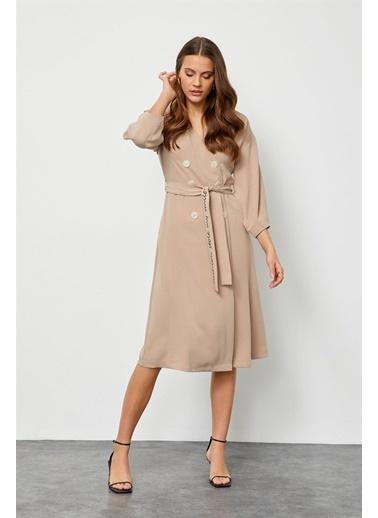 Setre Bej Kuşaklı Kruvaze Elbise Bej